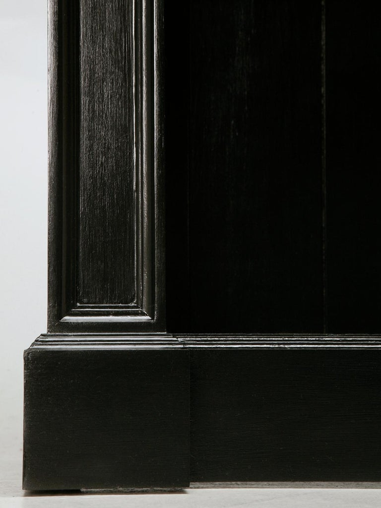 Pair of Custom Bookcases Black Hand Painted Finish in Any Dimension or Finish In New Condition For Sale In Chicago, IL