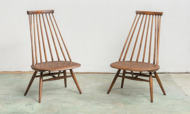 Pair of custom designed modern spindle back chairs, America, circa 1960.  Minimal and elegant forms in the style of George Nakashima.