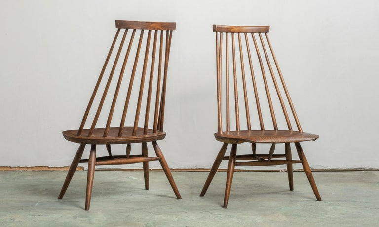 American Pair of Custom Designed Modern Spindle Back Chairs, America, circa 1960 For Sale