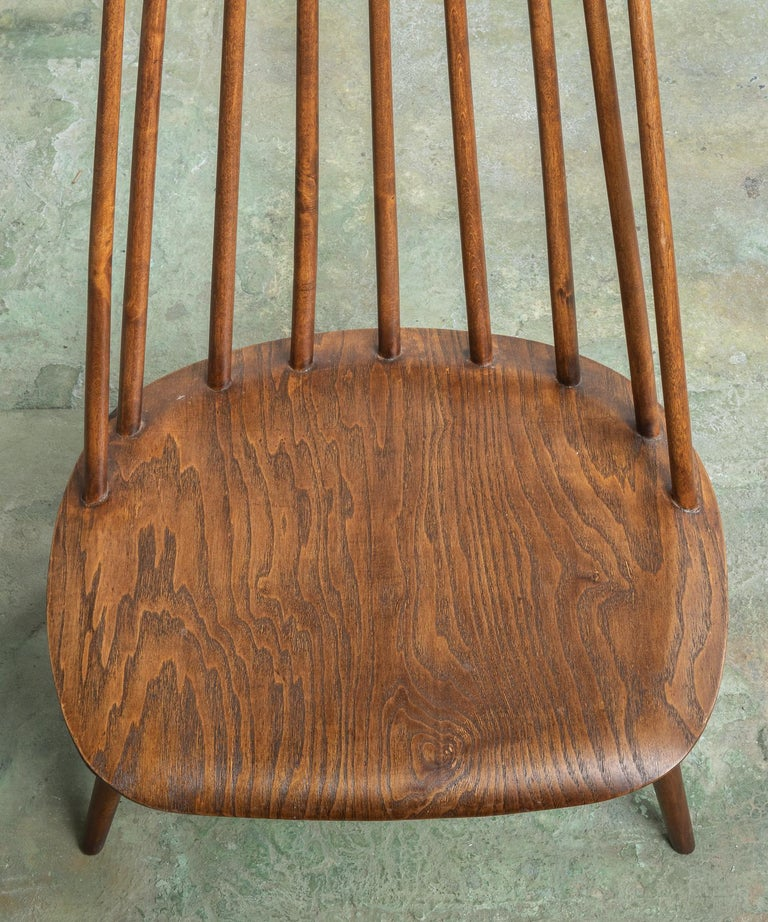Mid-20th Century Pair of Custom Designed Modern Spindle Back Chairs, America, circa 1960 For Sale