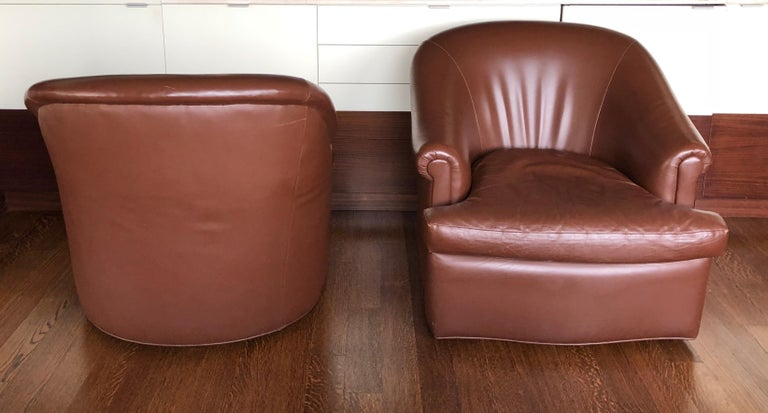North American Pair of Custom Swivel Club Chairs in Rich Brown Leather For Sale