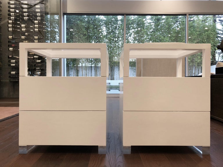 Pair of Custom White Lacquer and Lucite Nightstands by Cain Modern For Sale 4