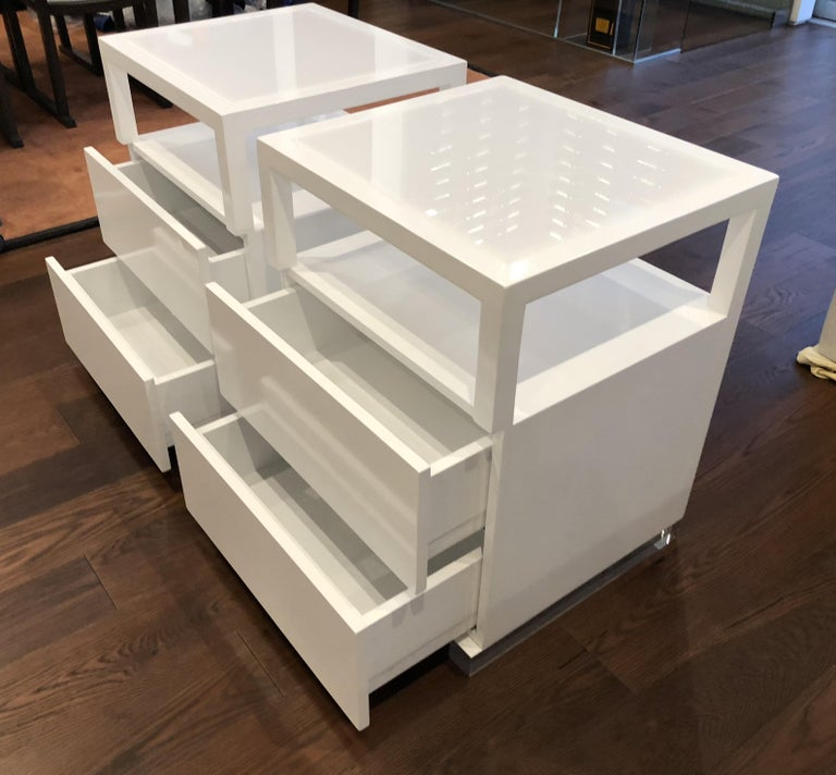 Pair of Custom White Lacquer and Lucite Nightstands by Cain Modern For Sale 5