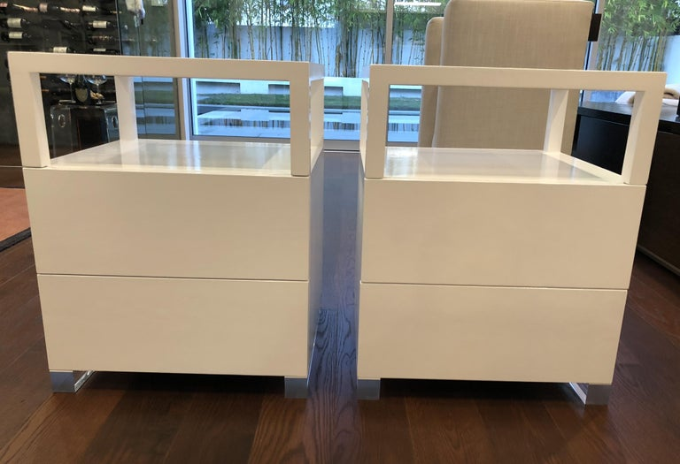 Contemporary Pair of Custom White Lacquer and Lucite Nightstands by Cain Modern For Sale