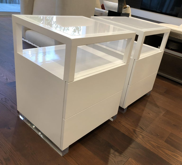 Oak Pair of Custom White Lacquer and Lucite Nightstands by Cain Modern For Sale