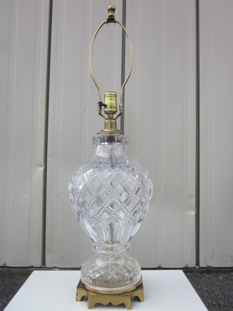 Mid-20th Century Pair of Cut Crystal and Brass Lamps For Sale