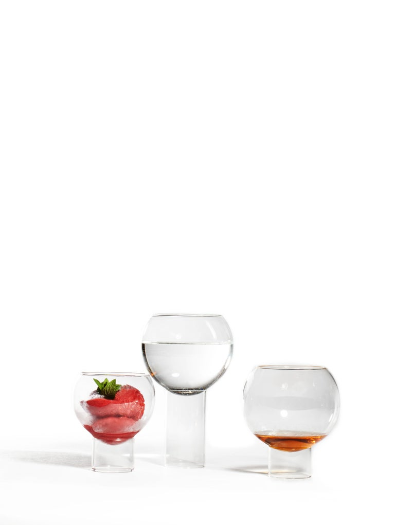Pair of Czech Contemporary Tulip Low Small Wine Glasses Handmade, in Stock For Sale 3