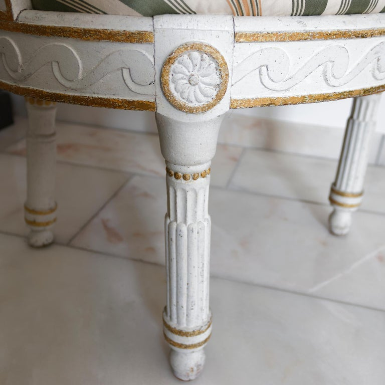 Pair of Danish 18th Century Neoclassical White Painted Armchairs For Sale 1