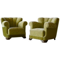 Pair of Danish 1940s Large Club Chairs in the Style of Fritz Hansen Model 1518