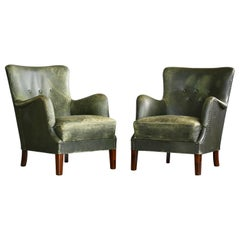 Pair of Danish 1950s Peter Hvidt Attributed Lounge Chairs Green Leather