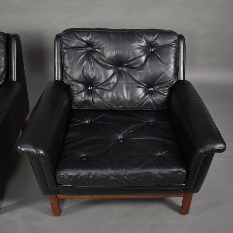 Pair of Danish Black Leather Club Lounge Chairs, circa 1950 For Sale 5