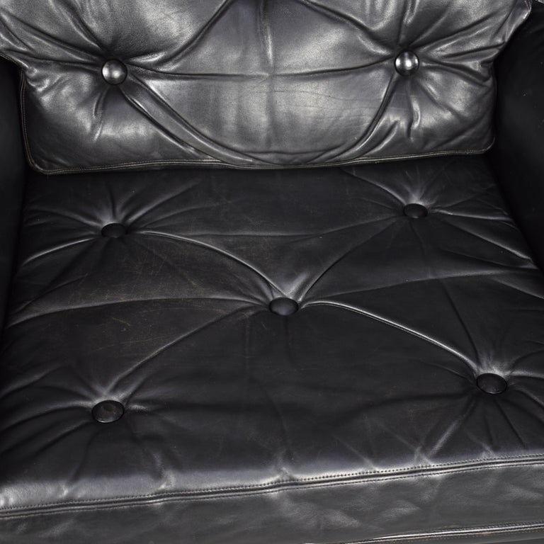 Pair of Danish Black Leather Club Lounge Chairs, circa 1950 For Sale 6