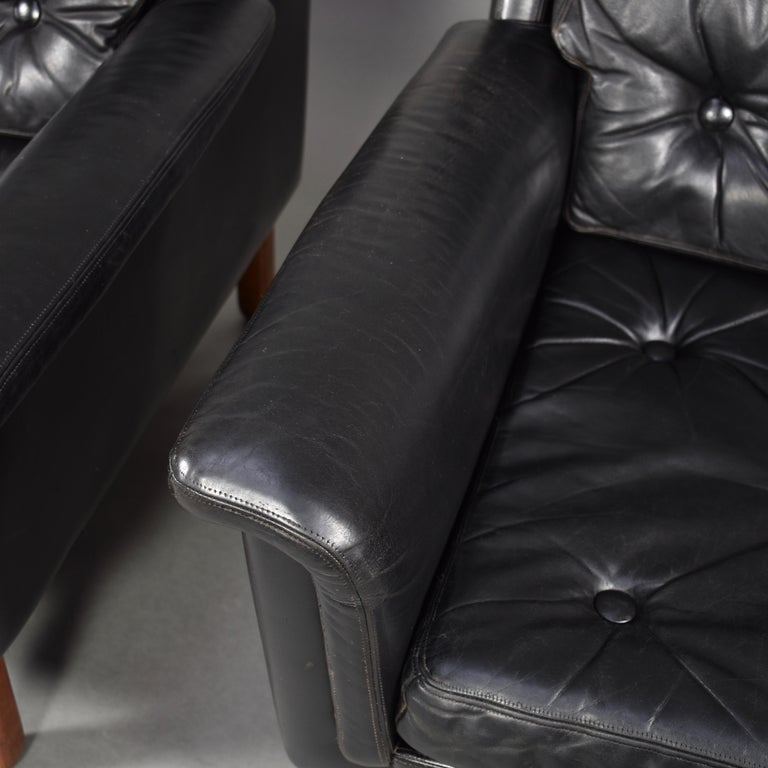 Pair of Danish Black Leather Club Lounge Chairs, circa 1950 For Sale 10