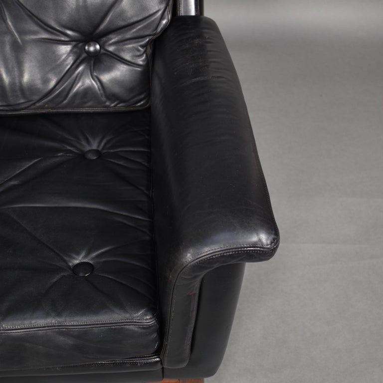 Pair of Danish Black Leather Club Lounge Chairs, circa 1950 For Sale 11