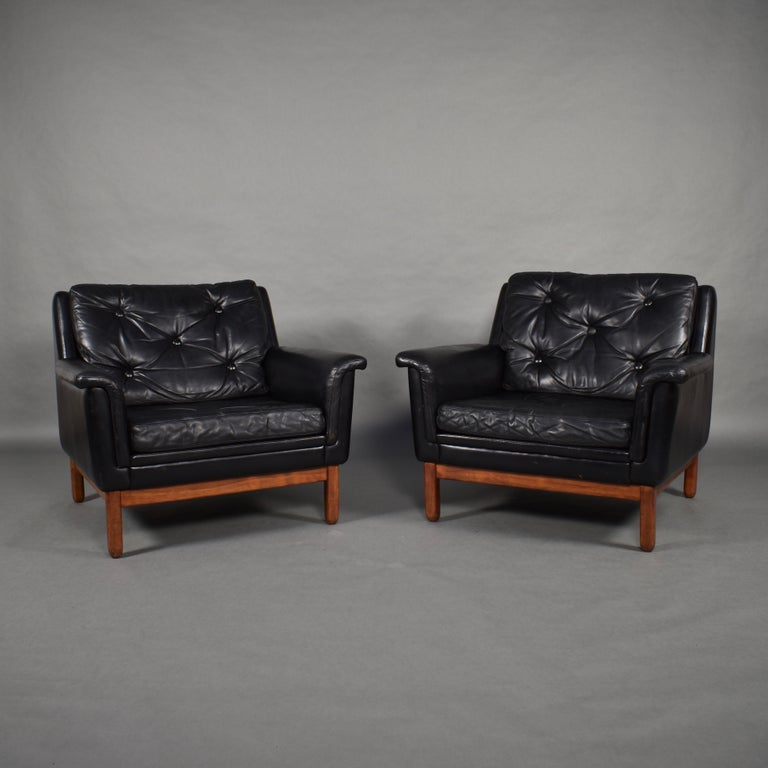 Scandinavian Modern Pair of Danish Black Leather Club Lounge Chairs, circa 1950 For Sale
