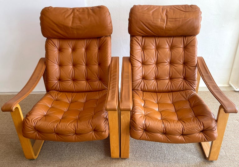 Pair of Danish Cognac Leather Club Chairs, circa 1960s In Good Condition For Sale In West Palm Beach, FL