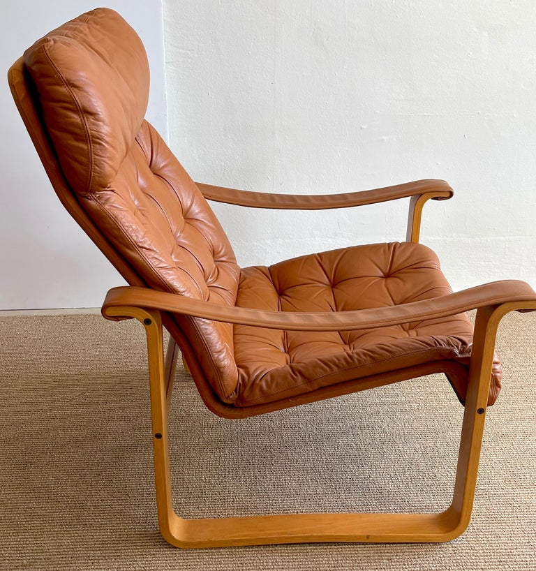 Pair of Danish Cognac Leather Club Chairs, circa 1960s For Sale 2