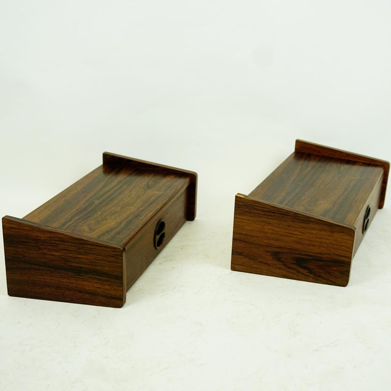 Scandinavian Modern Pair of Danish Floating Rosewood Nightstands with Drawers from the 1960s For Sale