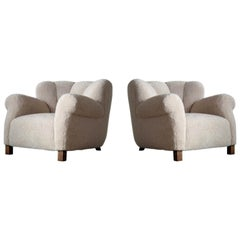 Pair of Danish Fritz Hansen Model 1518 Large Size Club Chairs in Lambswool 1940s