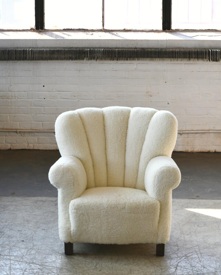 Mid-Century Modern Pair of Danish Fritz Hansen Style Large Size Club Chair in Lambswool, 1940s