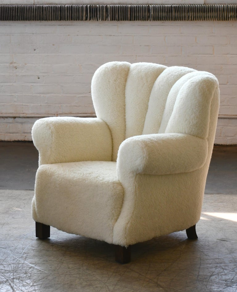 Pair of Danish Fritz Hansen Style Large Size Club Chair in Lambswool, 1940s In Excellent Condition In Bridgeport, CT