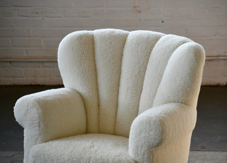 Mid-20th Century Pair of Danish Fritz Hansen Style Large Size Club Chair in Lambswool, 1940s