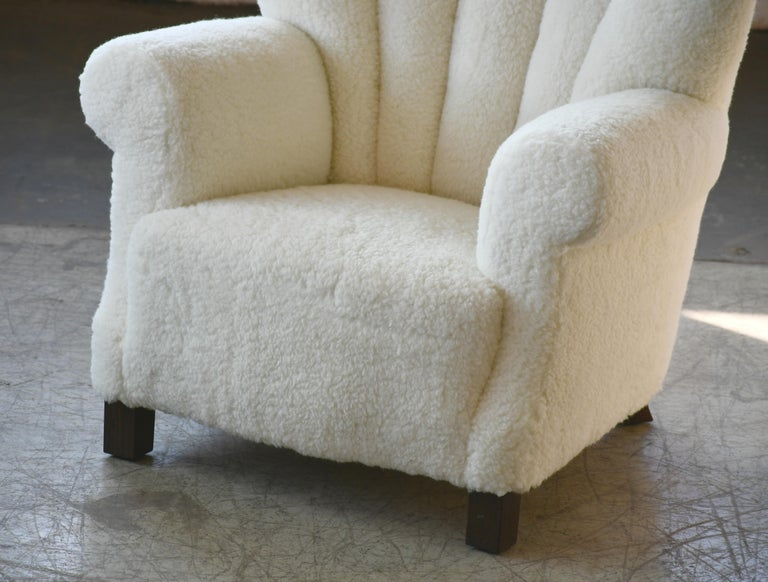 Wool Pair of Danish Fritz Hansen Style Large Size Club Chair in Lambswool, 1940s
