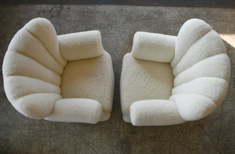 Pair of Danish Fritz Hansen Style Large Size Club Chair in Lambswool, 1940s 3
