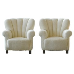 Pair of Danish Fritz Hansen Style Large Size Club Chair in Lambswool, 1940s
