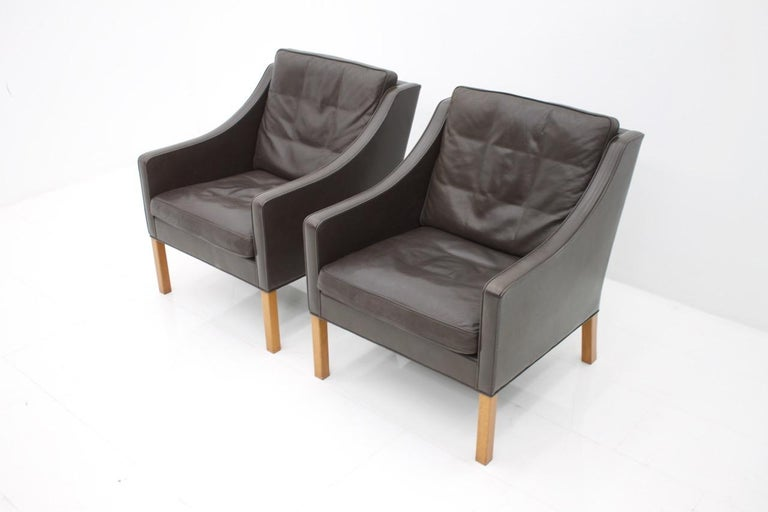 Scandinavian Modern Pair of Danish Lounge Chairs by Børge Mogensen in Chocolate Brown Leather, 1960s For Sale