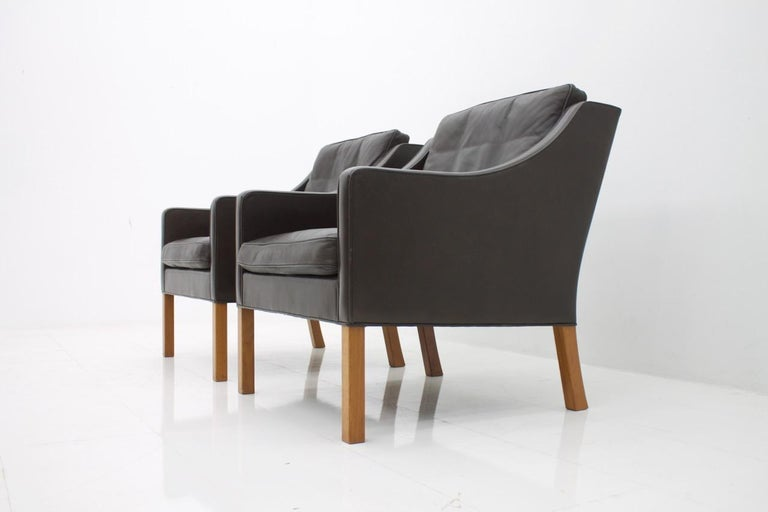 Pair of Danish Lounge Chairs by Børge Mogensen in Chocolate Brown Leather, 1960s In Good Condition For Sale In Frankfurt / Dreieich, DE