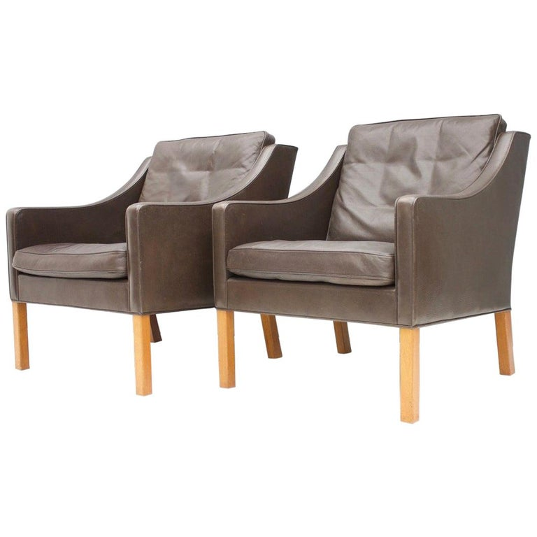 Pair of Danish Lounge Chairs by Børge Mogensen in Chocolate Brown Leather, 1960s For Sale