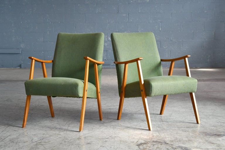 Pair of Danish Midcentury Arne Vodder Style Easy Chairs in Elmwood, 1960s In Good Condition For Sale In Bridgeport, CT