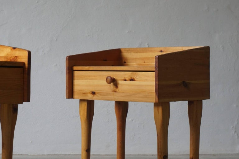 Pair of Danish Mid Century Night Stands with Drawers in Solid Pine, 1970s In Good Condition For Sale In Odense, DK