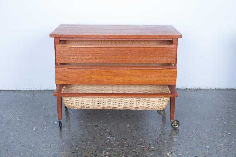Pair of Danish Midcentury Bedside Tables in Teak, 1960s For Sale 4