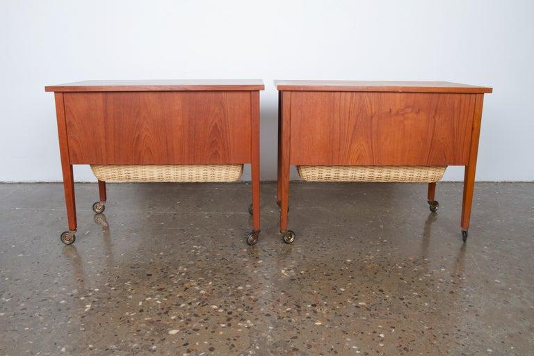 Veneer Pair of Danish Midcentury Bedside Tables in Teak, 1960s For Sale