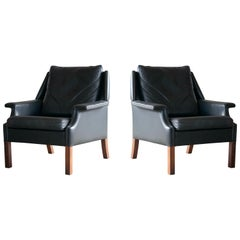 Pair of Danish Midcentury Børge Mogensen Style Black Leather Lounge Chairs