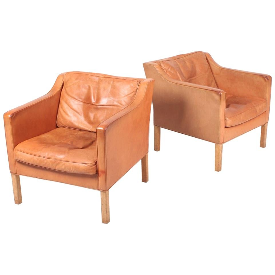 Pair of Danish Midcentury Lounge Chairs in Patinated Leather by Børge Mogensen