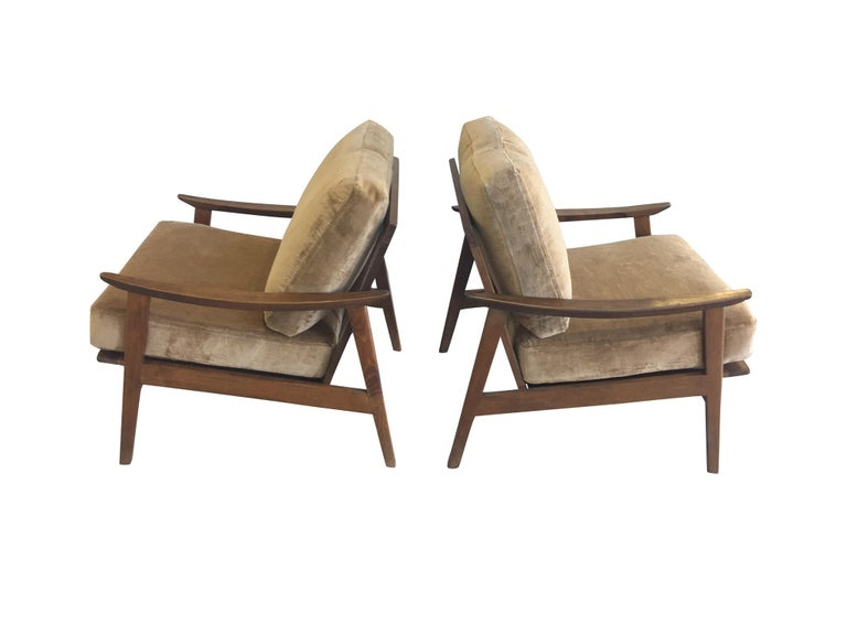 Pair of Danish Modern Armchairs with New Schumacher Velvet In Good Condition For Sale In New York, NY