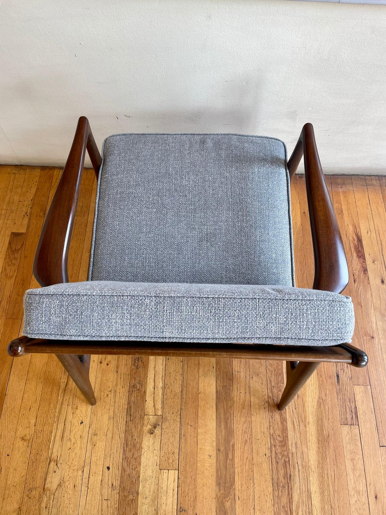 Scandinavian Modern Pair of Danish Modern Lounge Chairs by Ib Kofod-Larsen for Selig For Sale