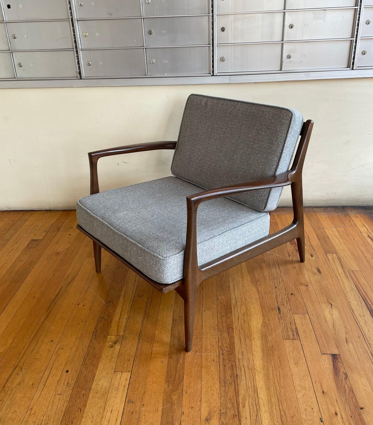20th Century Pair of Danish Modern Lounge Chairs by Ib Kofod-Larsen for Selig For Sale