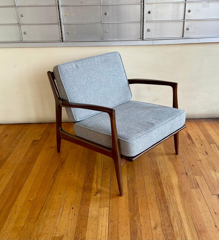 Pair of Danish Modern Lounge Chairs by Ib Kofod-Larsen for Selig For Sale 2