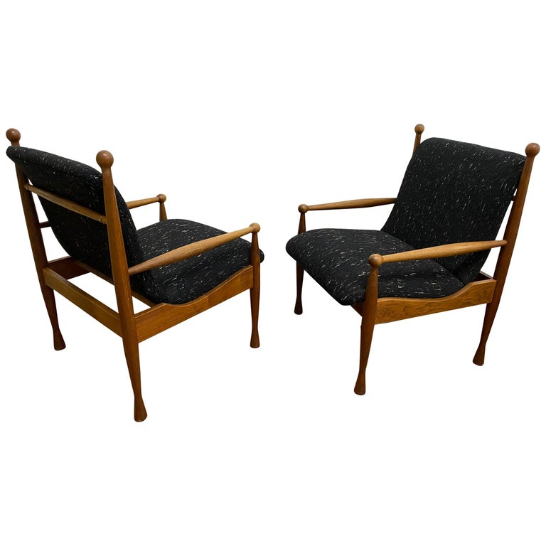 Pair of Danish Modern Lounge Chairs For Sale