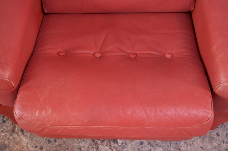 Pair of Danish Modern Lounge Chairs in Cinnabar Leather For Sale 4