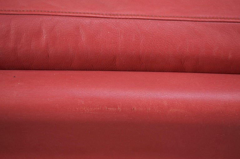 Pair of Danish Modern Lounge Chairs in Cinnabar Leather In Distressed Condition For Sale In Brooklyn, NY