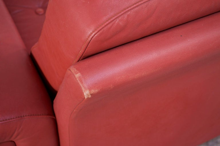 Late 20th Century Pair of Danish Modern Lounge Chairs in Cinnabar Leather For Sale
