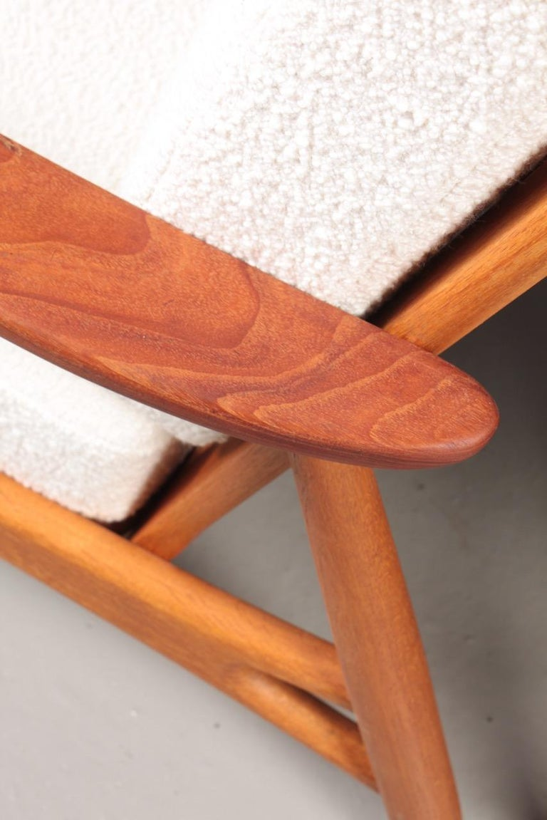 Pair of Danish Modern Lounge Chairs in Teak and Boucle by Johannes Andersen For Sale 3