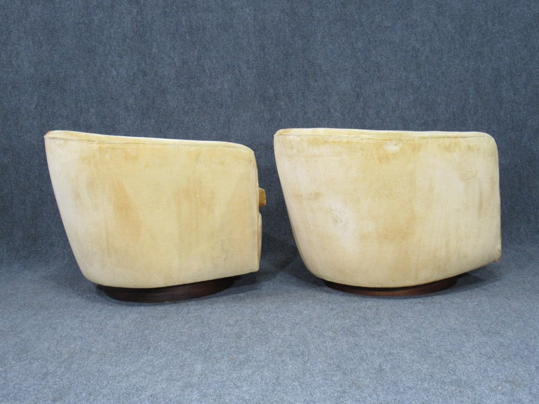 Mid-20th Century Pair of Danish Modern Milo Baughman Style Swivel Club Chairs with Teak Bases For Sale