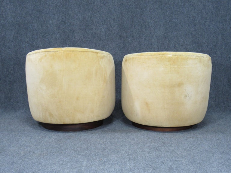 Pair of Danish Modern Milo Baughman Style Swivel Club Chairs with Teak Bases For Sale 1