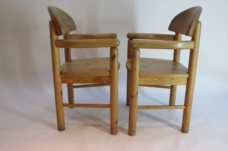 Machine-Made Pair of Danish Pine Carver Dining Chairs by Rainer Daumiller for Hirtshals For Sale
